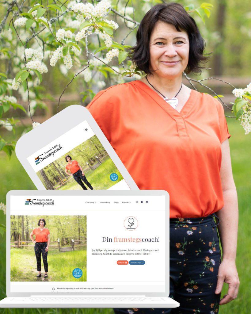 Susanne Sabith, Framstegscoach, är en av Åkerblom Kommunikations kunder. På bilden syns ett collage där Susanne och hennes webbplats: framstegscoach.se syns både i dator och mobil.